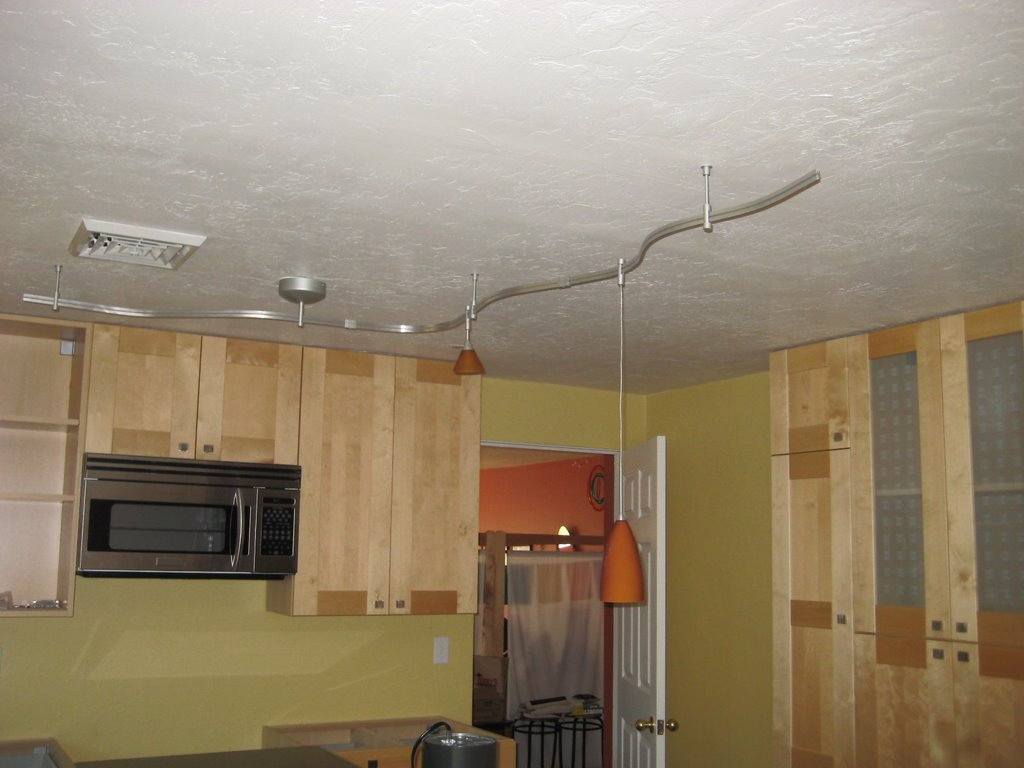 Track ceiling light on deluxe interior Kitchens with track lighting